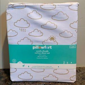 Comfy clouds Cotton Toddler Sheet Set